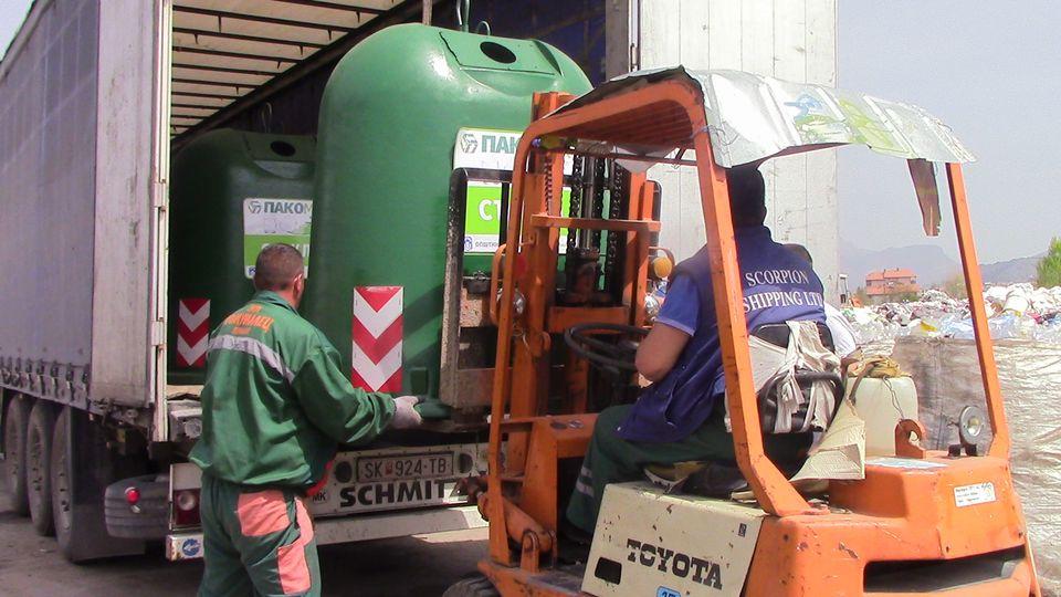 kontenjeri-stakloi-03