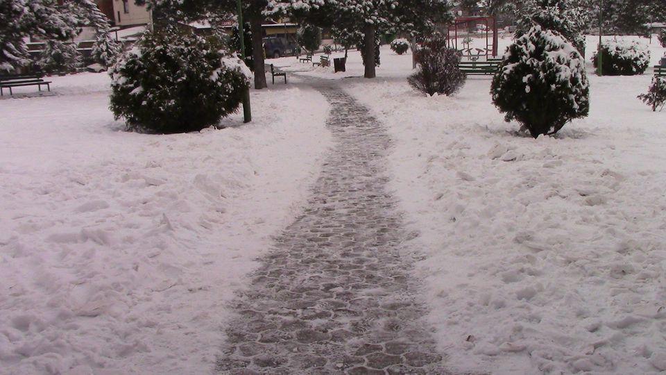 sneg-mogila-02