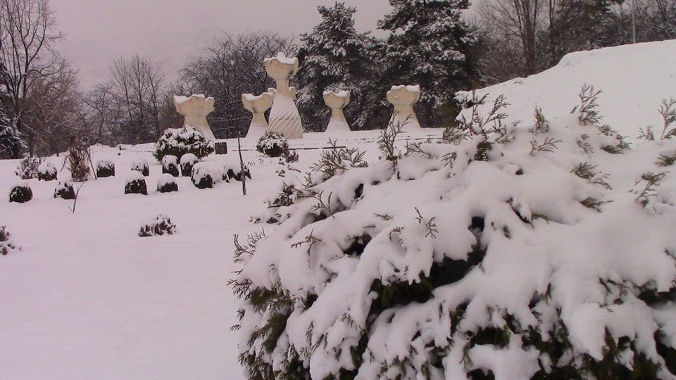 sneg-mogila-10