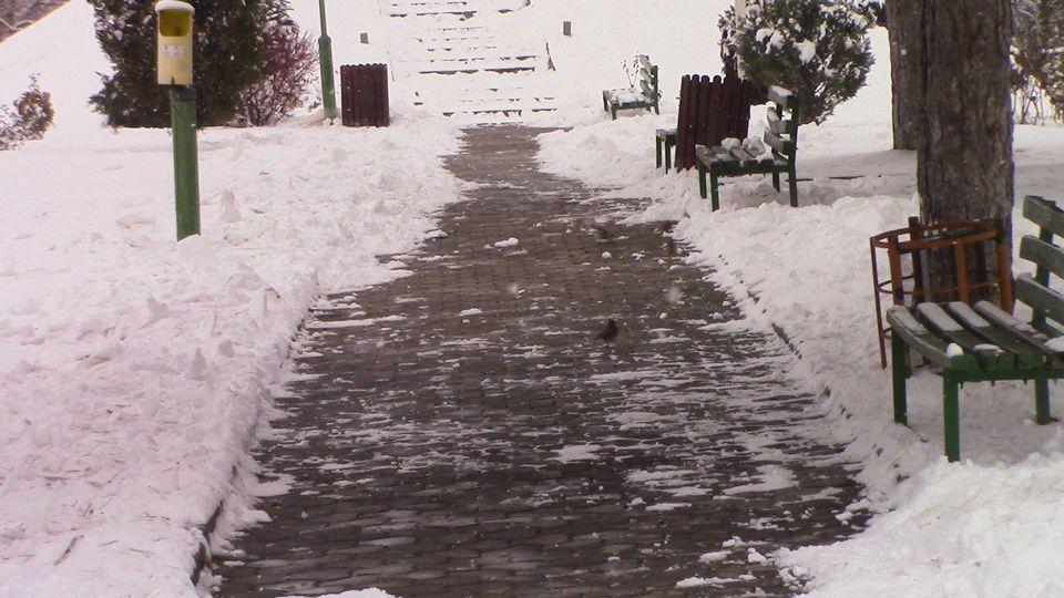 sneg-mogila-14