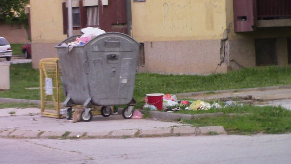 kontenjeri-otpad08
